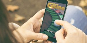 Play online casino games on the go with DealersCasino mobile casino!